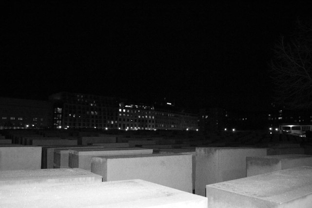 monument-to-murdered-jews
